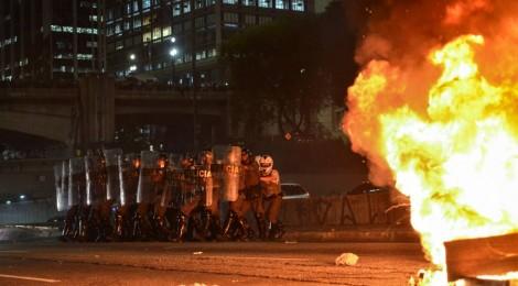 Riots in Brazil / Fernando Siqueira, Alexandre Moreira, Filipe Mota Santiago